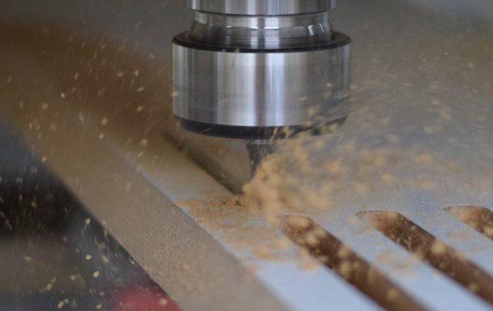 5-Achs CNC Fräse in Arbeit